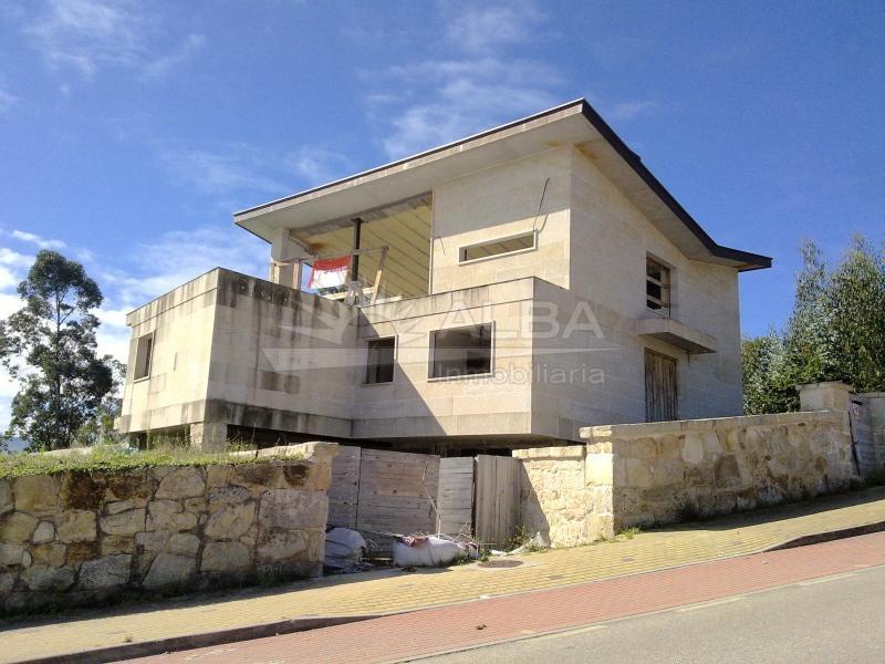 Monteferro casa piedra dise o actual vistas panor micas for Casa planta ramallosa