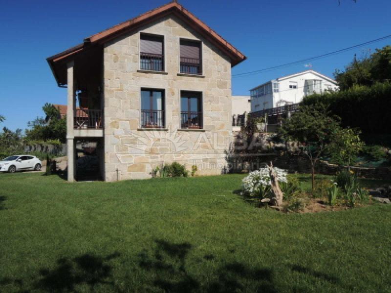 Vigo casa seminueva con finca ref c4 for Casa planta ramallosa